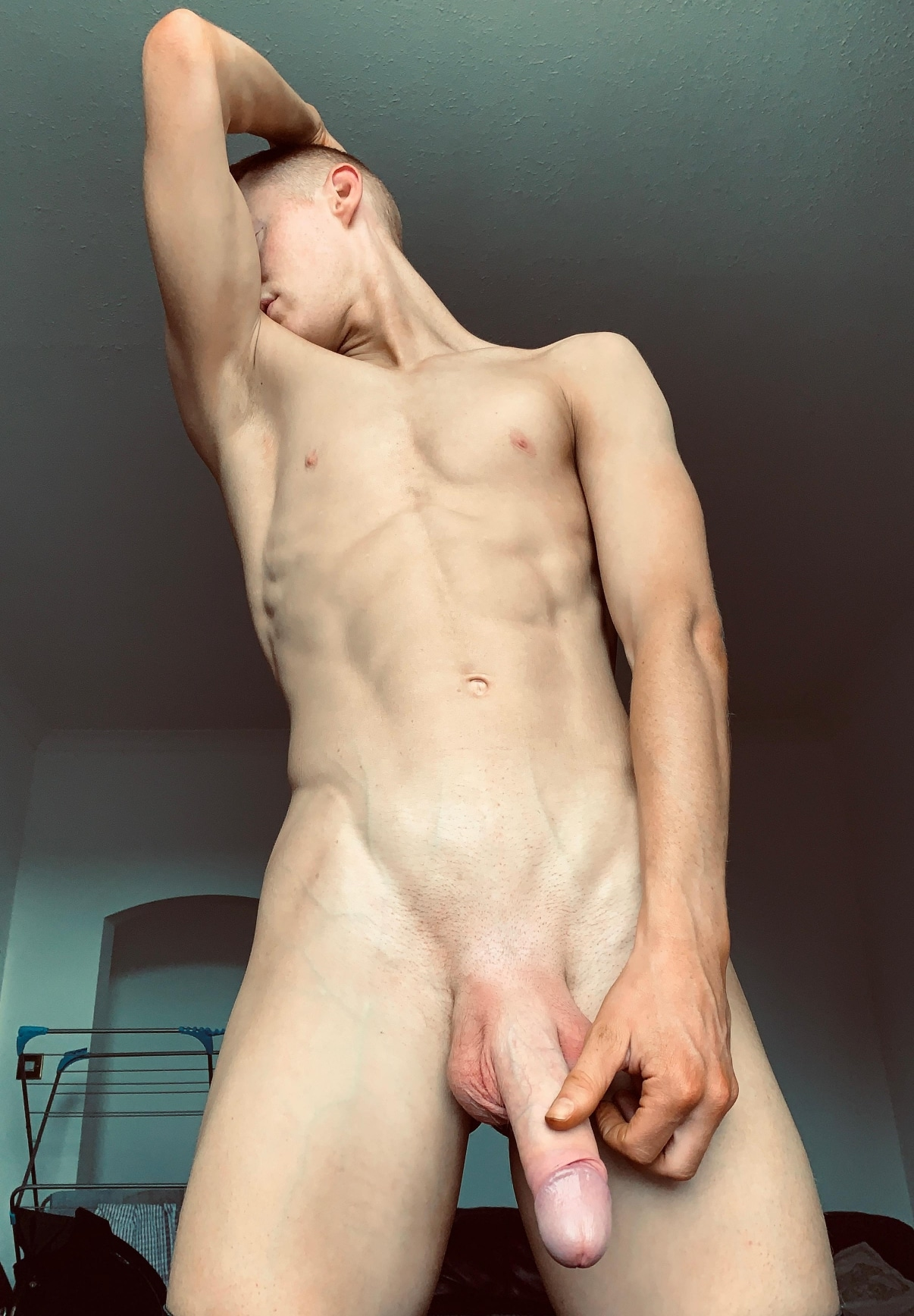 Fit guy with a big cock