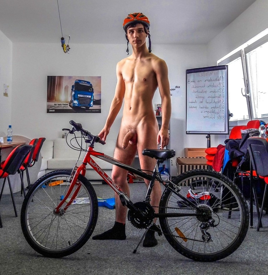 Hung nude bike boy